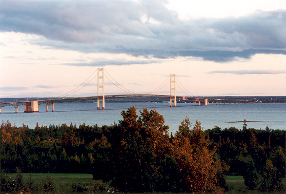 bridge.jpg (77338 bytes)