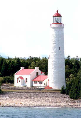 toby_lighthouse-sm.jpg (43623 bytes)